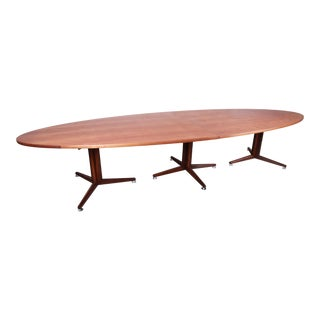 Edward Wormley for Dunbar Mid-Century Modern Walnut Elliptical Conference or Dining Table, 1960s For Sale