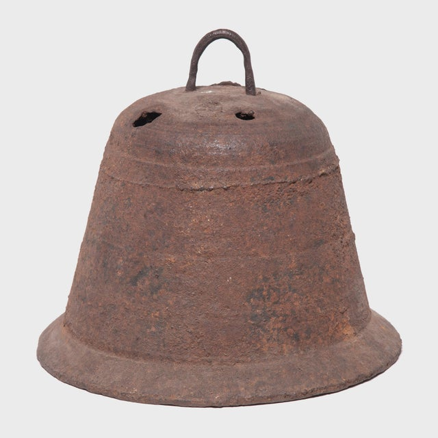 Asian 19th Century Provincial Chinese Iron Bell For Sale - Image 3 of 5
