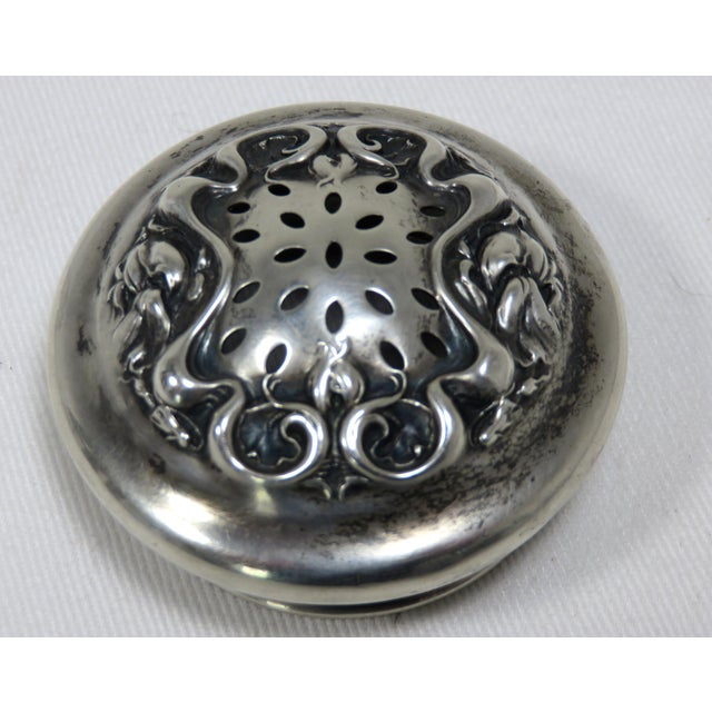 Early 20th Century Antique Wallace Silversmiths Crystal & Sterling Silver Sugar Shaker For Sale - Image 11 of 13