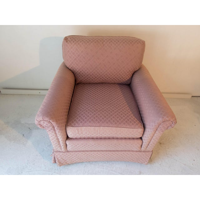 Traditional Pennsylvania House Pink Club Chair Comfortable Long Stretcher 32 x 36 x 34D Excellent For Sale - Image 3 of 8