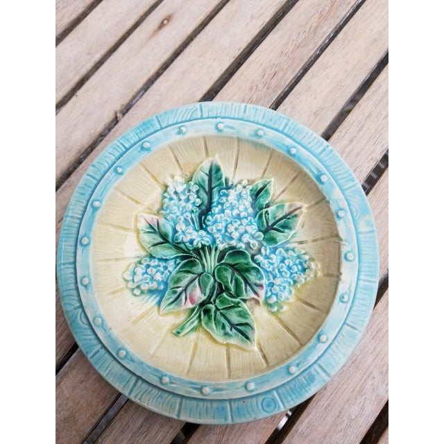 French French Majolica Small Plates - a Pair For Sale - Image 3 of 10