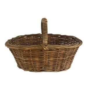 New England Willow Gathering Basket For Sale