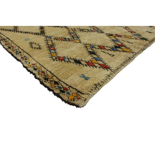 20348 Vintage Beni Ourain Moroccan Rug with Mondrian Bauhaus Style and Color Pop. This hand-knotted wool vintage Beni...