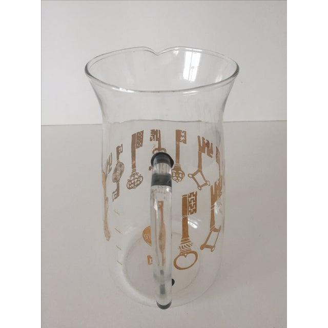 Vintage Pyrex Glass Gold Key Beverage Pitcher - Image 5 of 10
