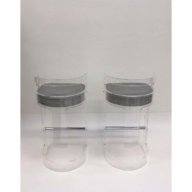 Modern 1980s Hill Manufacturing Co. Lucite and Chrome Barstools - a Pair For Sale - Image 3 of 10