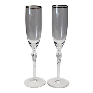 20th Century Traditional Lenox Monroe Gold Trim Flutes - a Pair For Sale