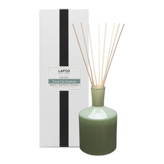 Fresh Cut Gardenia Classic Reed Diffuser, 6oz For Sale