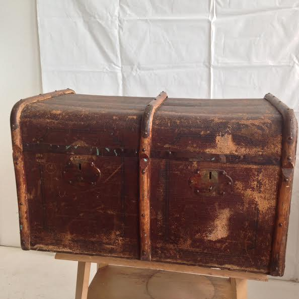 Vintage Distressed Trunk - Image 2 of 7