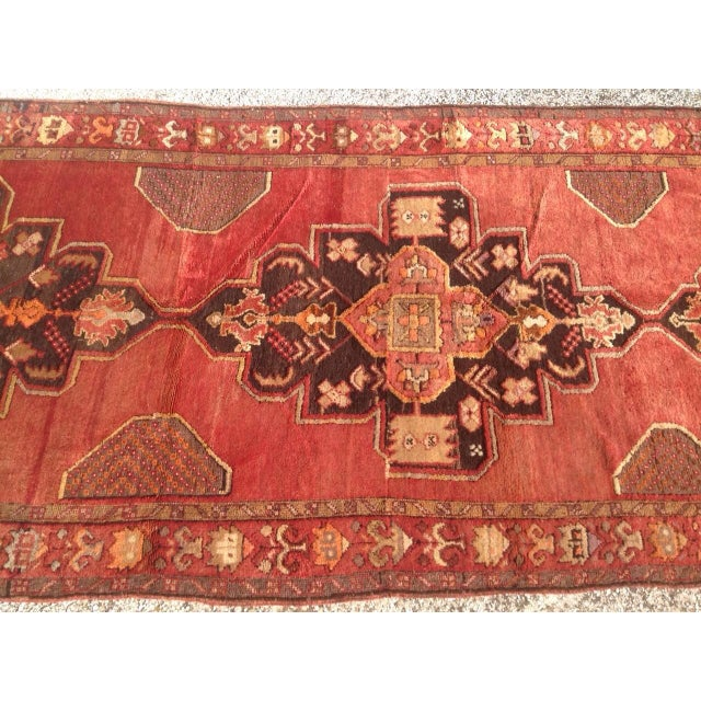 """1940s Vintage Hand Knotted Anatolian Rug - 4'2"""" x 13'5"""" - Image 4 of 8"""