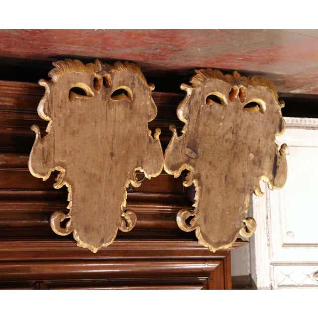 Wood Early 20th Century Italian Carved Gilt and Painted Wall Hanging Shields - a Pair For Sale - Image 7 of 9