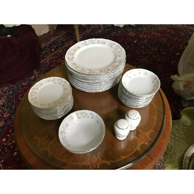 Late 19th Century Classy ,Vintage Sheffield Fine China Classic 501 ,Reduced Set for 11 For Sale - Image 5 of 11