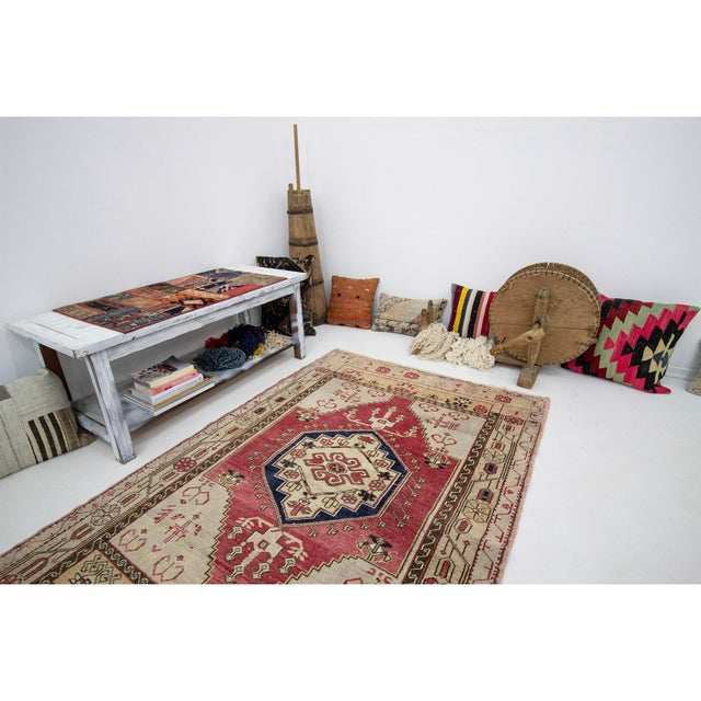 1960s Vintage One of a Kind Turkish Rug- 4′1″ × 6′ For Sale In Los Angeles - Image 6 of 7