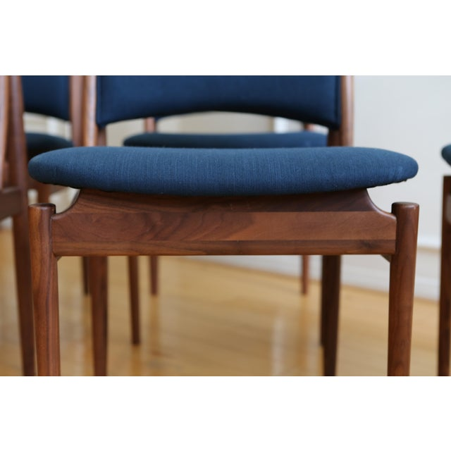 Mid Century Modern Teak Dining Chairs in Navy Blue - Set of 8 For Sale - Image 9 of 11
