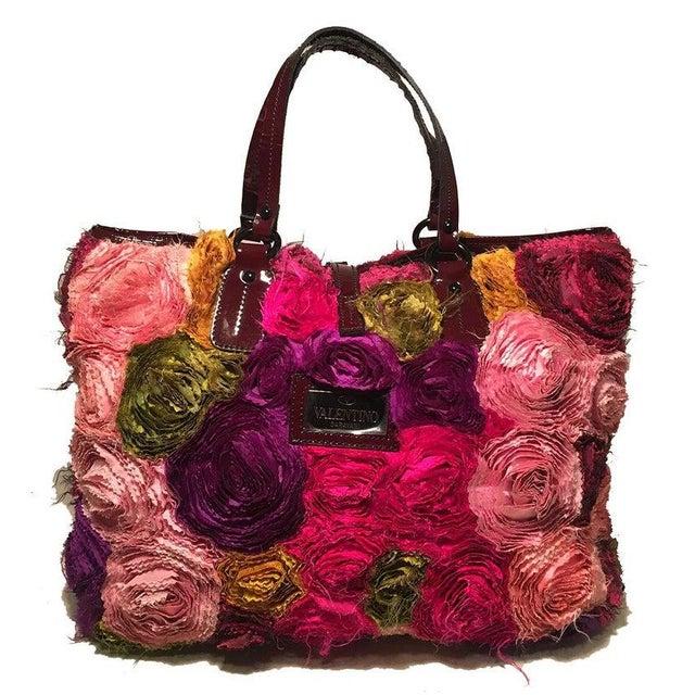 Valentino Multicolor Silk Rosier Rosettes Tote Bag in good condition. Multicolor silk organza rosettes embroidered...