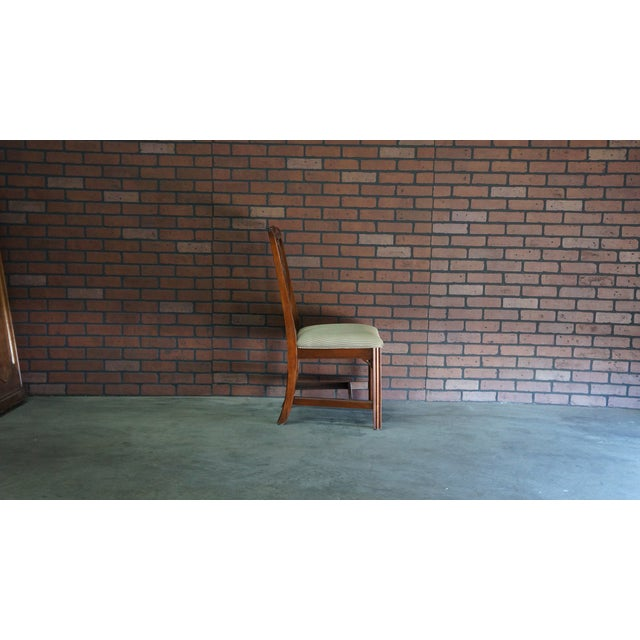 Chippendale 1990s Vintage Ethan Allen Georgian Court Dining Chair For Sale - Image 3 of 8
