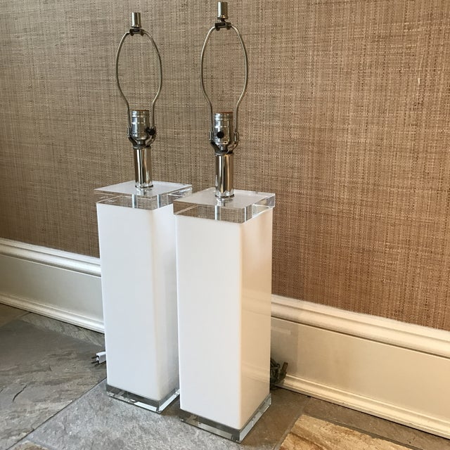Mid Century White Lucite Column Lamps - A Pair For Sale - Image 9 of 10