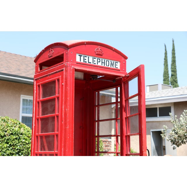 1970s Metal Vintage London Lifesize Telephone Booth For Sale - Image 5 of 13