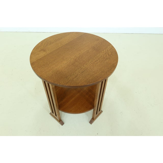 Item: 49805EC: STICKLEY Round Mission Oak Occasional Lamp Table Age: C.2000 Details: Finish No. 35 High Quality...