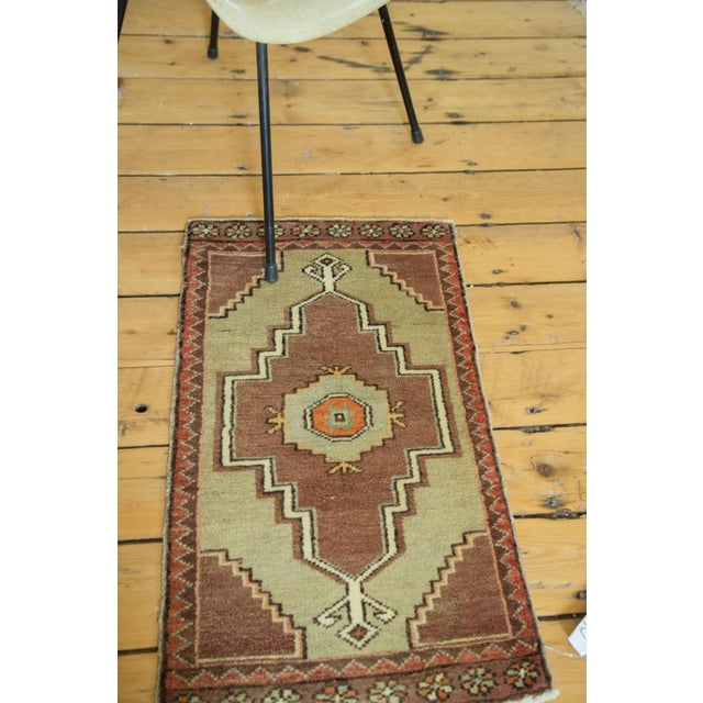 "Vintage Turkish Oushak Runner - 1'7"" x 2'8"" For Sale - Image 4 of 6"