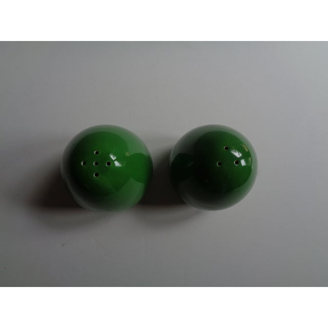 Vintage Japanese Avocado Green Salt and Pepper Shakers - a Pair For Sale - Image 4 of 5