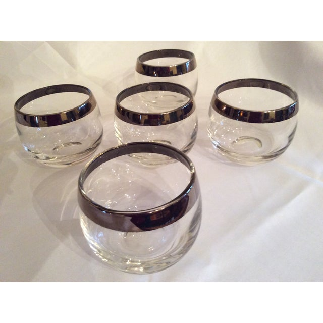 Dorothy Thorpe Mid-Century Dorothy Thorpe Inspired Roly Poly Whiskey Glasses - Set of 5 For Sale - Image 4 of 13
