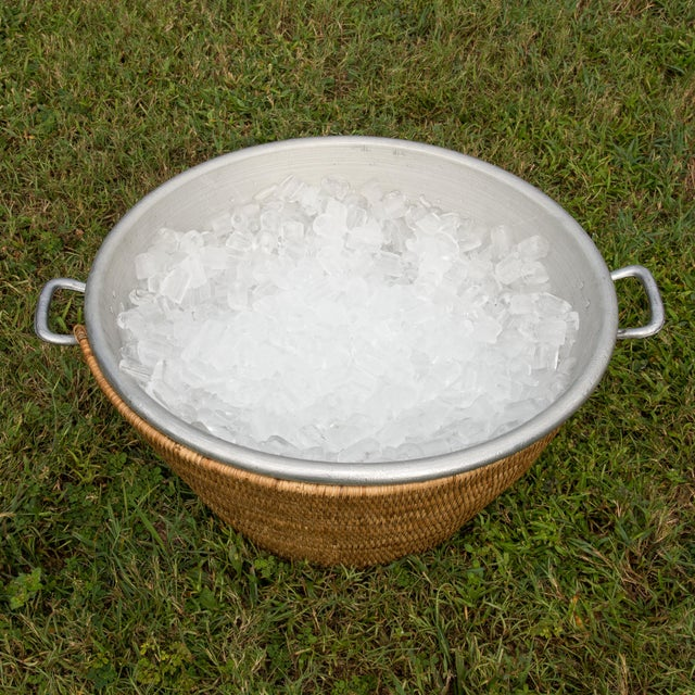 """Artifacts Rattan Aluminum Ice Tub 22.5""""x 12"""" For Sale - Image 4 of 6"""