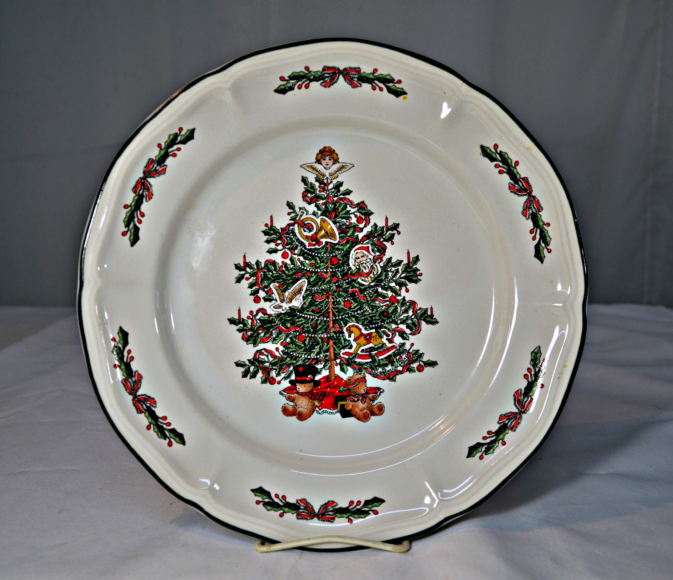 Vintage Christmas Dinnerware - 9 Pieces - Image 7 of 8  sc 1 st  Chairish : cheap christmas dinnerware - pezcame.com