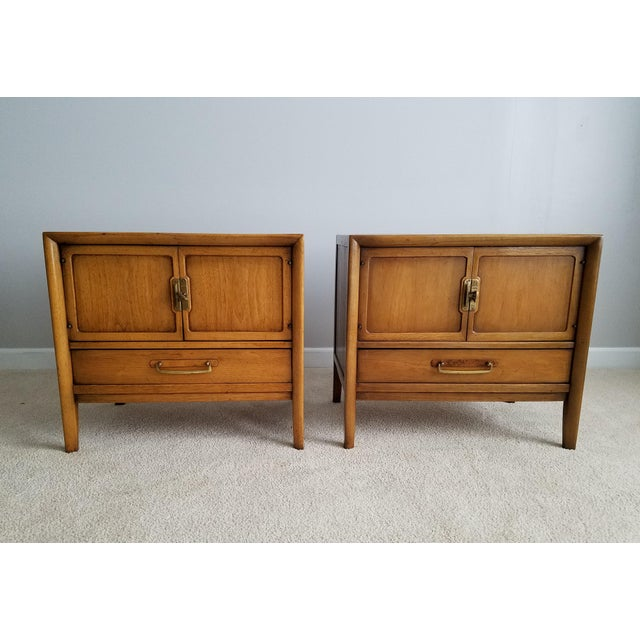 Drexel Meridian Nightstands – A Pair - Image 11 of 11