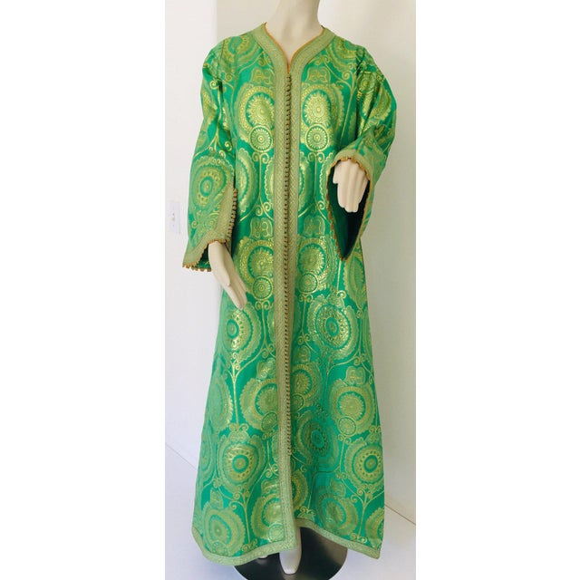 Elegant Moroccan Caftan Lime Green and Gold Metallic Floral Brocade For Sale - Image 12 of 13