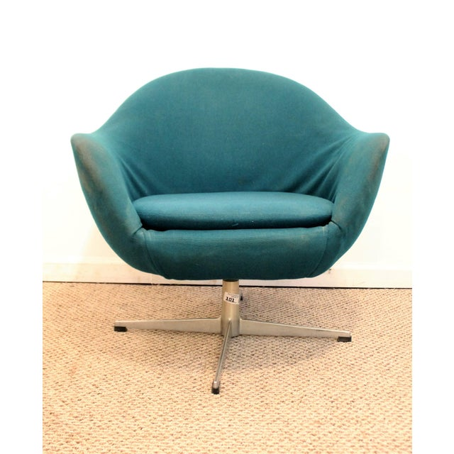 Offered is a Mid-Century Danish Modern Overman Style Swivel Pod Chair w/ Chrome Base. The chair has simple lines and...