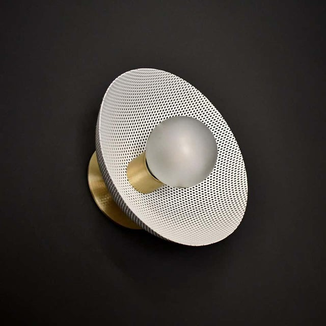 Mid-Century Modern Centric Wall Sconce in White Enamel Mesh & Brass by Blueprint Lighting For Sale - Image 3 of 7