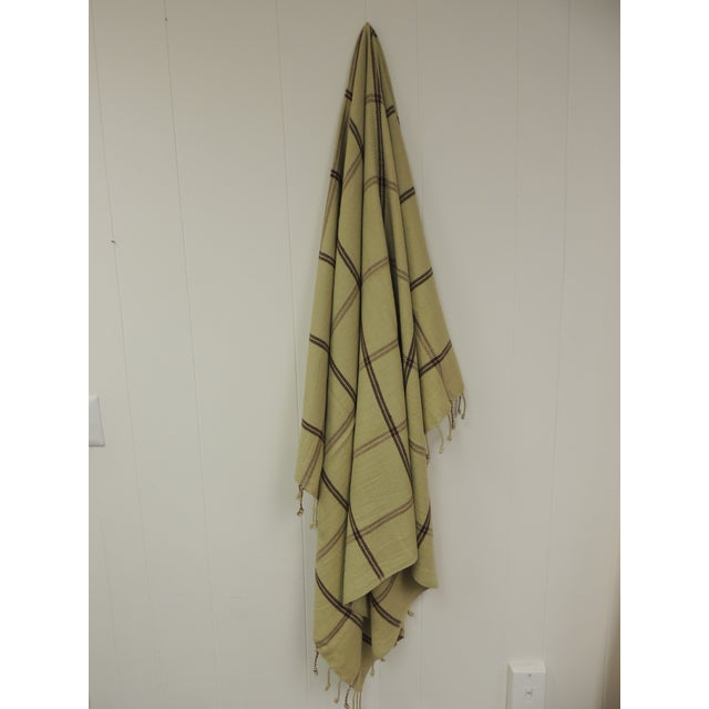 Woven Green and Brown Himalayan Cashmere Throw With Hand-Knotted Fringes For Sale In Miami - Image 6 of 6