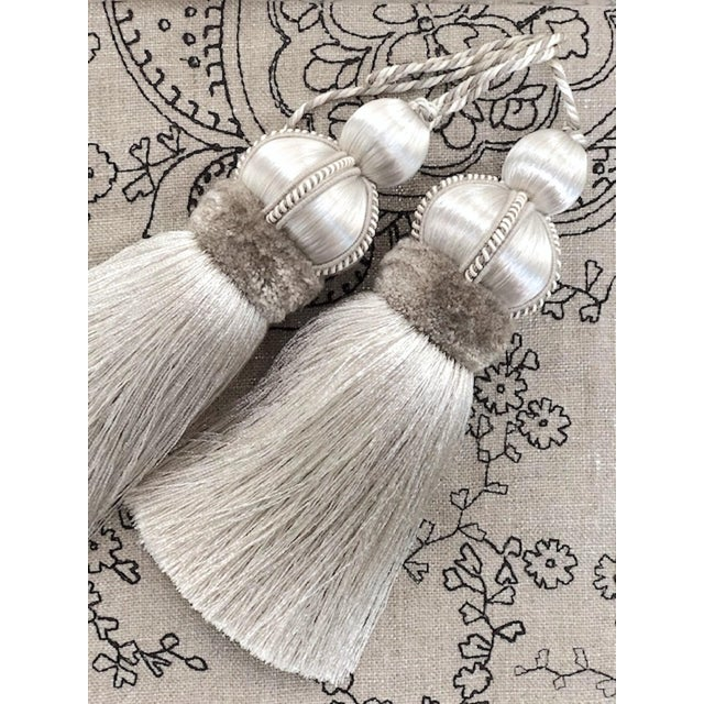 Silver Key Tassels With Cut Ruche - a Pair For Sale - Image 4 of 11