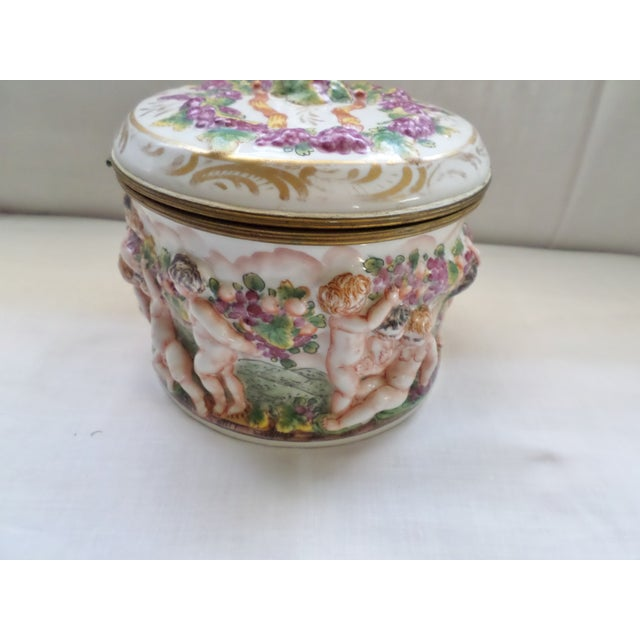 Early 19th Century Early 19th Century Antique Signed Capodimonte Italian Hinged Box For Sale - Image 5 of 10