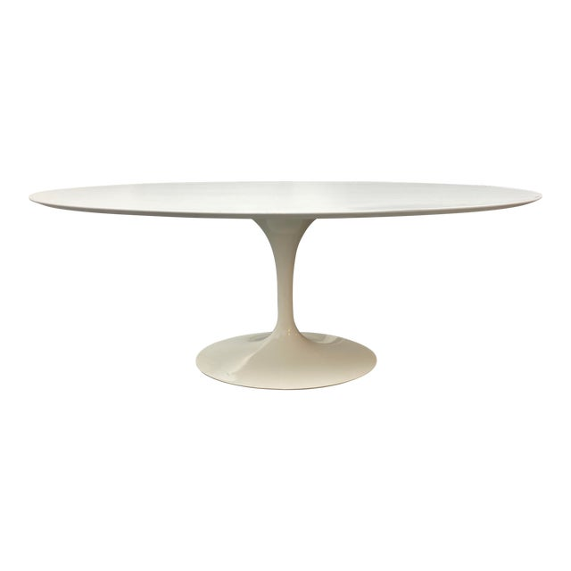 Eero Saarinen Rove Concepts Tulip White Lacquered Table For Sale