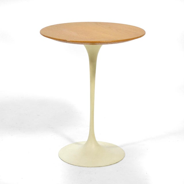 Knoll Eero Saarinen Tulip Side Table With Oak Top by Knoll For Sale - Image 4 of 10