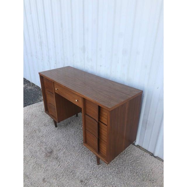 Mid Century Modern 7 Drawer Writing Desk by Johnson Carper For Sale In New York - Image 6 of 13