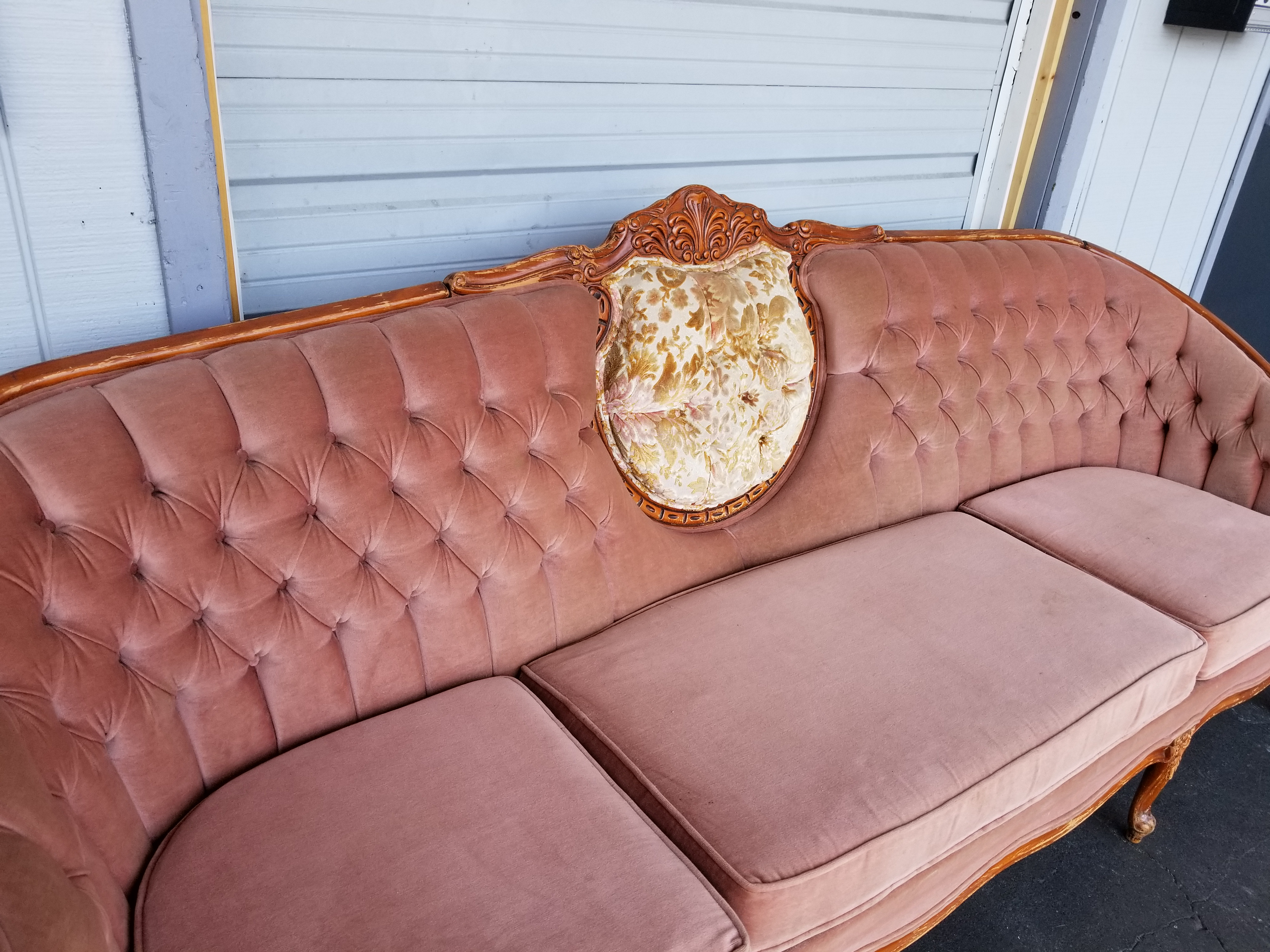 Vintage French Provincial Pink Velvet Couch   Hollywood Regency Rose Sofa    Image 3 Of 8