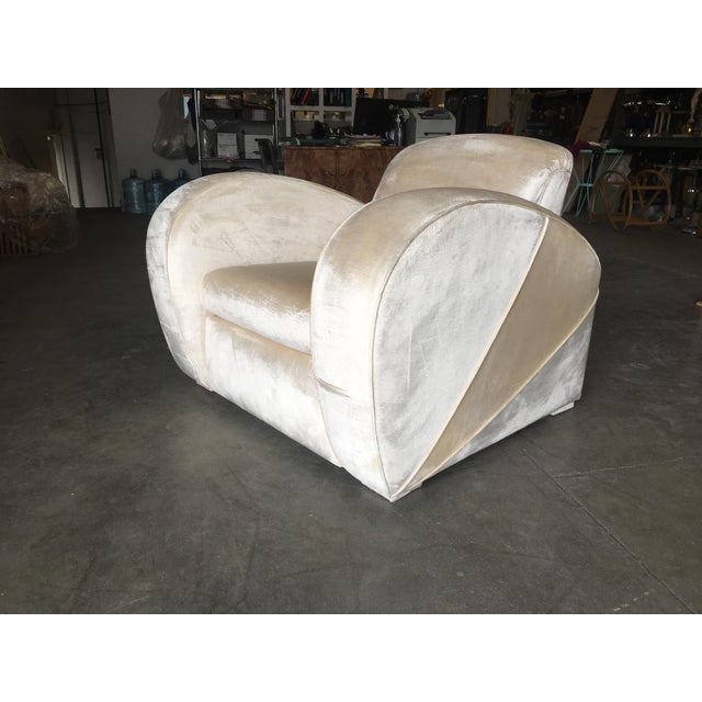 Mid-Century Modern Art Deco Pearl White Mohair Jazz Club Chair W/ Speed Arms For Sale - Image 3 of 11