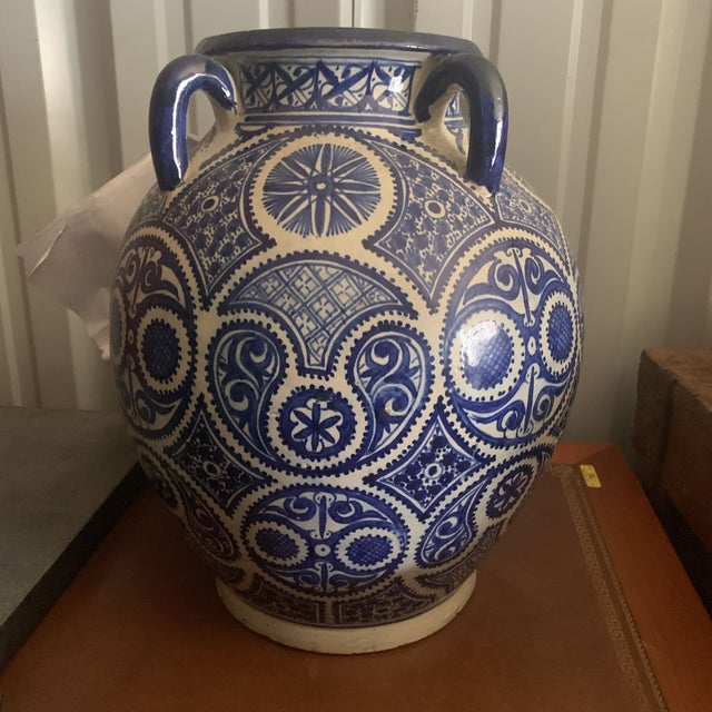Large Moroccan Hispano-Moorish Blue and White Ceramic Handled Jar For Sale In Denver - Image 6 of 13