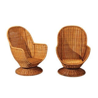 Fabulous Pair of Wicker Egg Swivel Club Chairs, circa 1975 For Sale