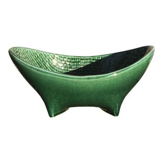 1960s Mid Century Modern Green Hull Pottery Bowl For Sale