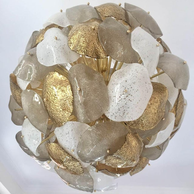 Modernist Italian Gold Silver White Scavo Murano Glass Round Leaf Chandelier For Sale - Image 4 of 9