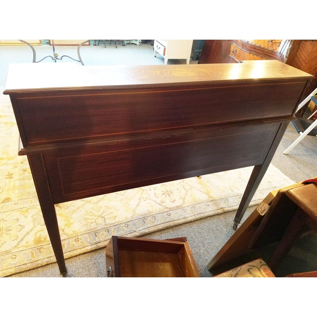 Edwardian Style Mahogany & Satinwood Ladies Desk For Sale In New York - Image 6 of 10
