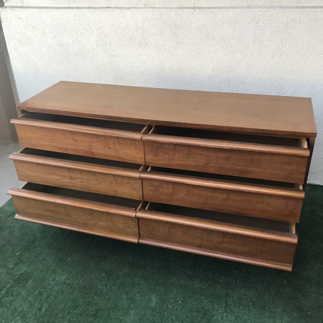 Contemporary Lane Mid Century 6 Drawer Walnut Dresser For Sale - Image 3 of 7