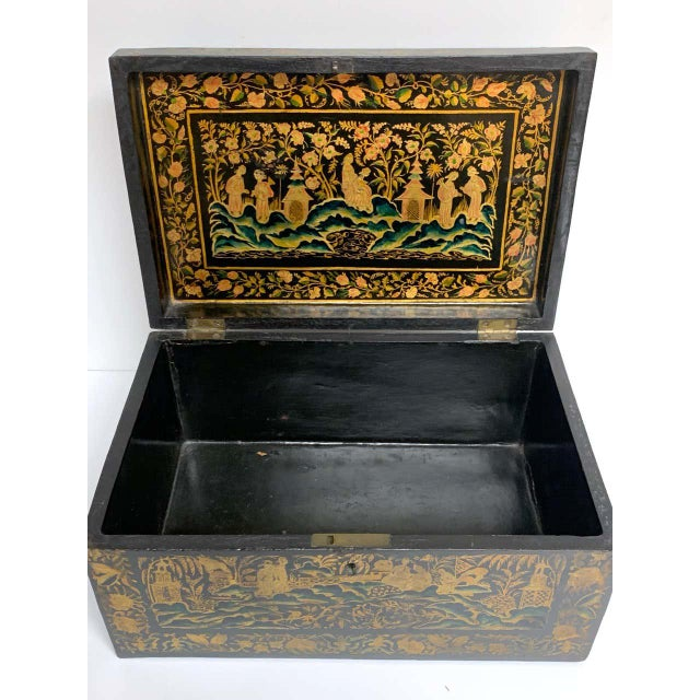 Chinese Export Lacquer Box & Stand, Circa 1820 For Sale - Image 12 of 13