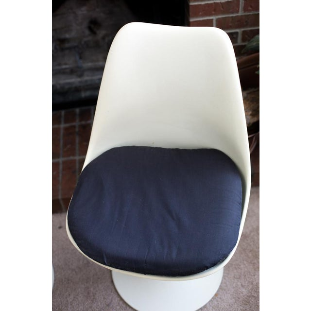 H. G. Knoll and Associates Knoll Associates Saarinen Tulip Chairs - A Pair For Sale - Image 4 of 11