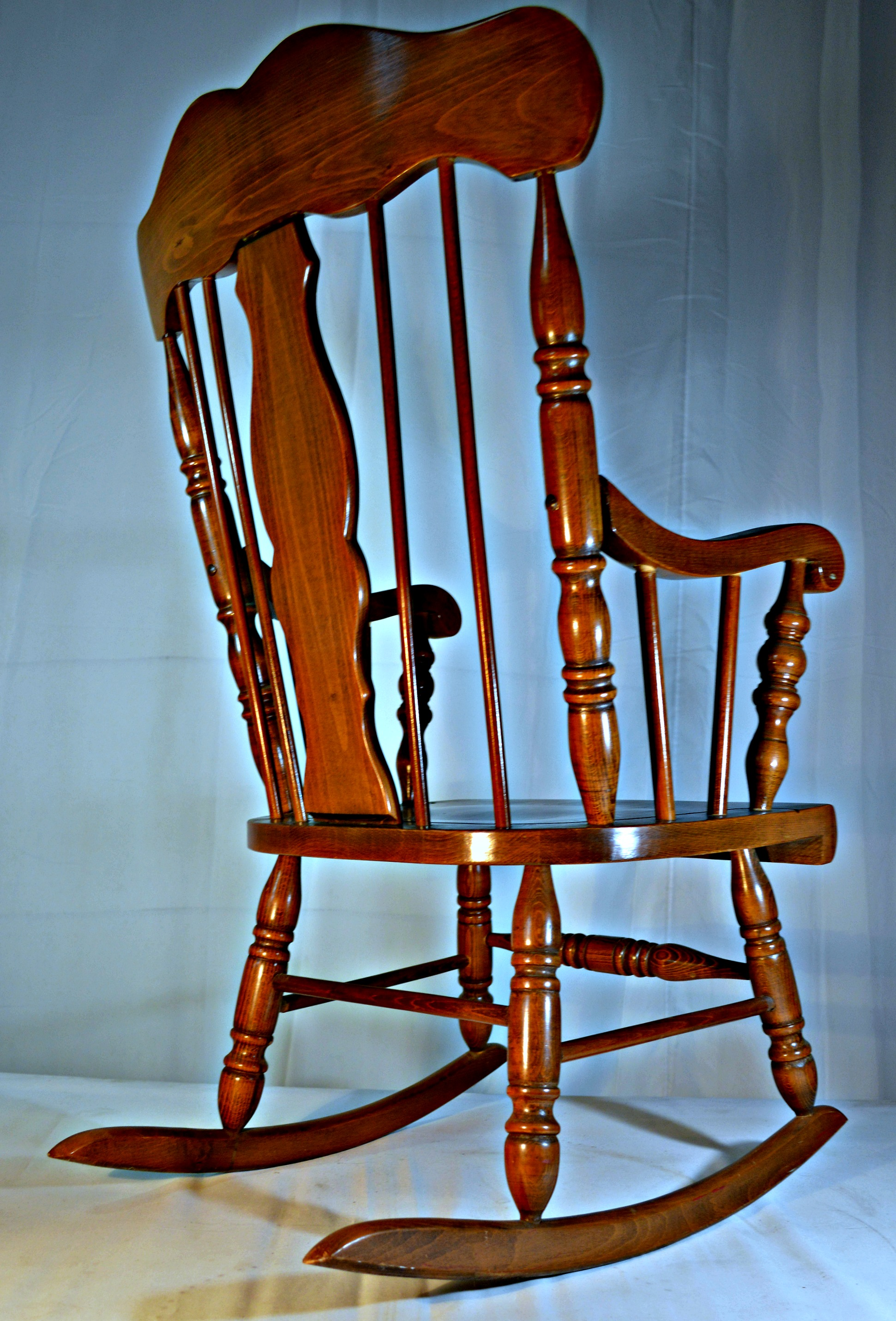Colonial Style Solid Oak Rocking Chair   Image 5 Of 9