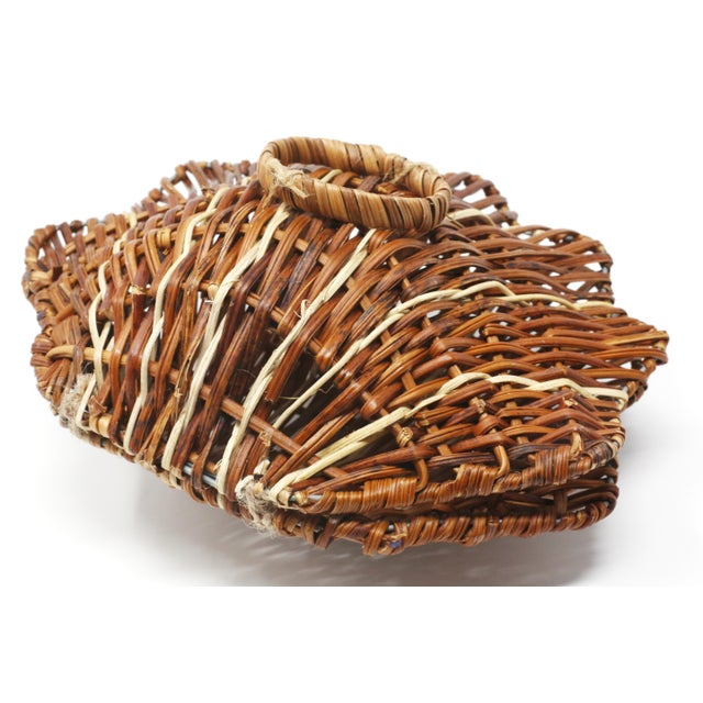 Vintage Wicker Scallop Shell Box For Sale - Image 9 of 11