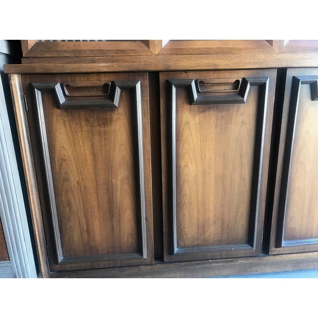 Mid Century Modern Hutch / China Cabinet For Sale - Image 4 of 13